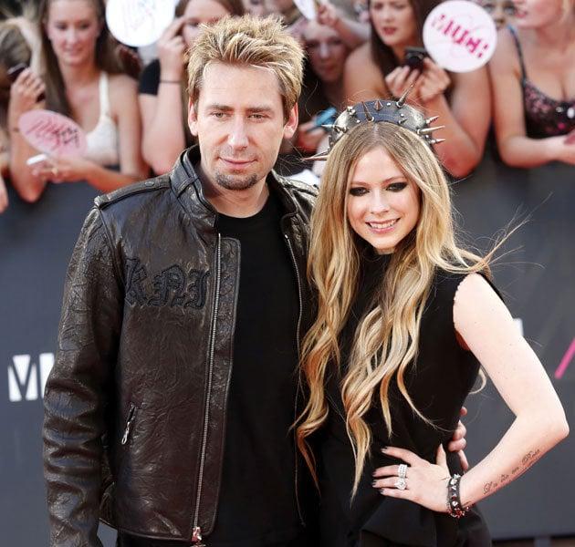 Avril Lavigne Wedding Gown: 我離婚了我又結婚了 艾薇兒穿黑色婚紗嫁掉囉