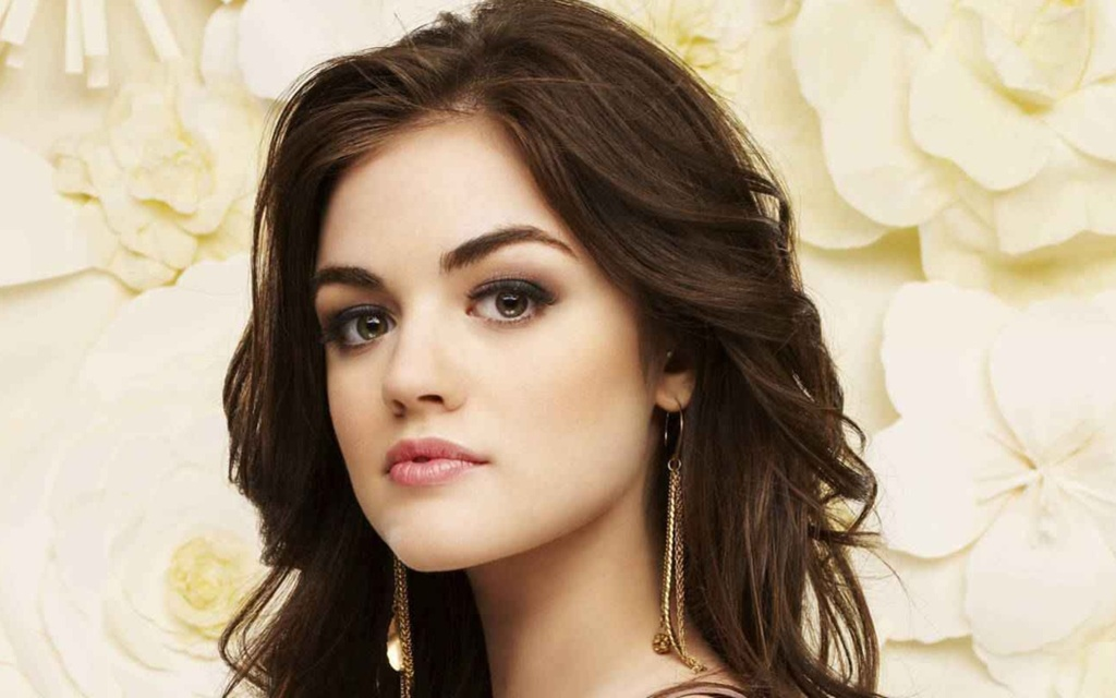 lucy hale age - 1024×640
