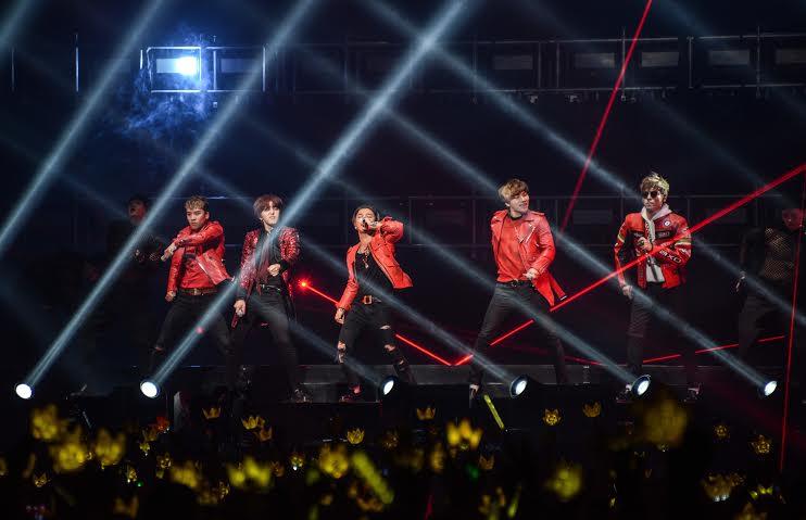 妞快報:BIGBANG轟炸小巨蛋!T.O.P甜言蜜語一句話少女們全醉了 | 名人娛樂